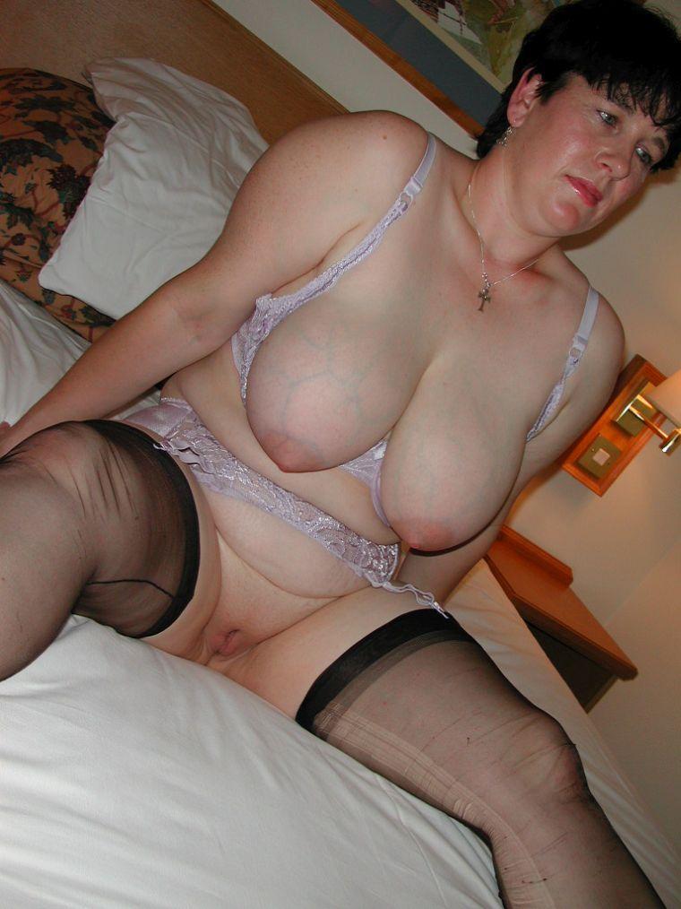 sexwillige Hausfrauen finden